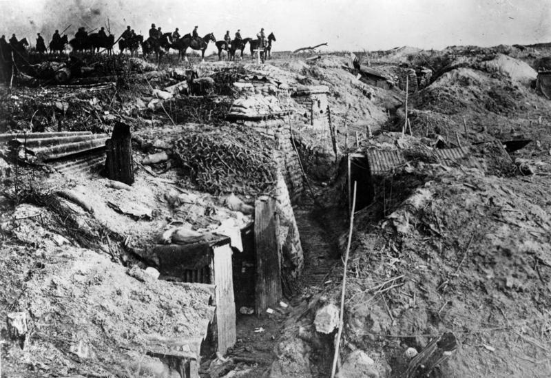 Un imagen clásica de la primera guerra mundial: un sistema de trincheras en Francia