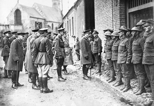 Oficiales y soldados británicos en Francia en 1918