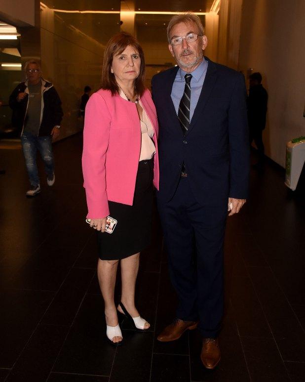 La ministra de Seguridad, Patricia Bullrich, junto a Guillermo Yanco, vicepresidente del Museo del Holocausto y miembro de la Comisión Directiva del Club Político