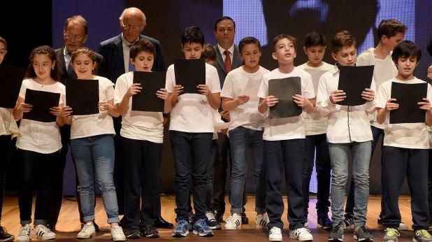 También participaron los coros de los niños de la escuela J.N.Bialik y del Centro Hebreo Ioná