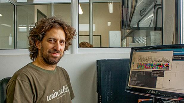 Ariel Chernomoretz, profesor del Departamento de Física de la Facultad de Ciencias Exactas y Naturales de la UBA e investigador de la Fundación Instituto Leloir y del CONICET, desarrolló los algoritmos del software GENis