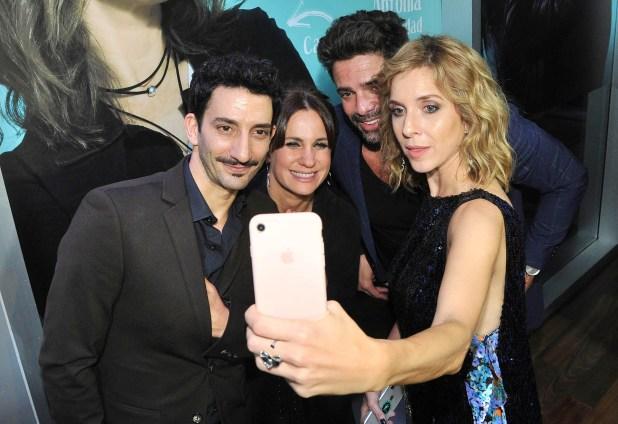 Juan Minujín, Nancy Dupláa, Luciano Castro y Carla Peterson se sacan una selfie