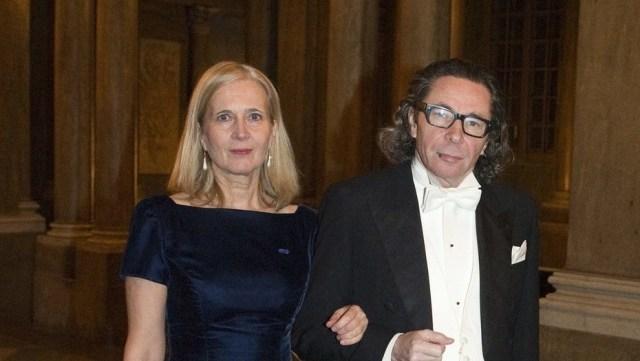 Jean-Claude Arnault está casado con la poetisa y también miembro de la Academia Katarina Frostenson
