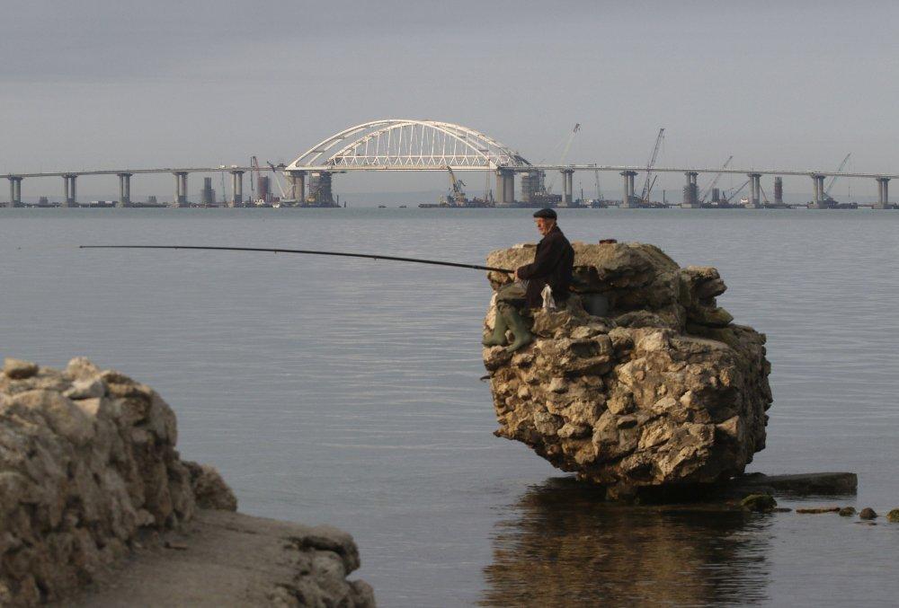 El puente sobre el estrecho de Kerch (Reuters)