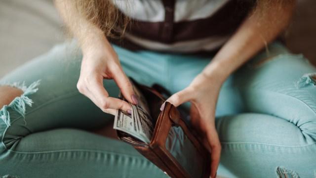 El negocio de mover dinero crece en la Argentina y el 60% son envíos al exterior
