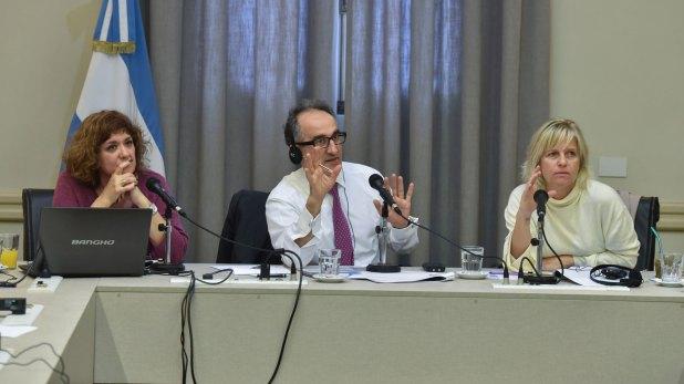 El experto francés Charles-Torossian dialogó con funcionarios de Educación