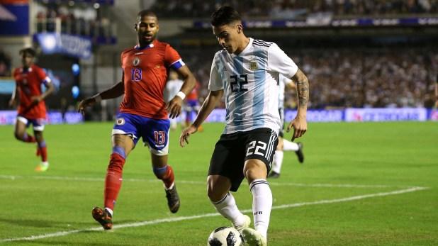 Cristian Pavón es una de las opciones que baraja Jorge Sampaoli (Reuters)