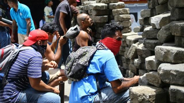 Los manifestantes montaron barricadas en todo le país