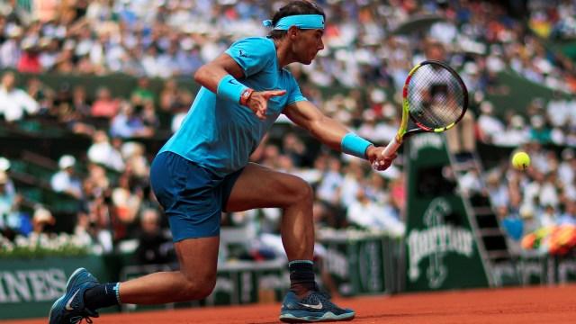 Rafael Nadal avanzó a semifinales de Roland Garros. Antes, había pedido elecciones libres, algo que molestó a la cúpula de Podemos (Reuters)