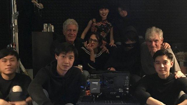 Bourdain y Argento en Hong Kong a inicios de junio