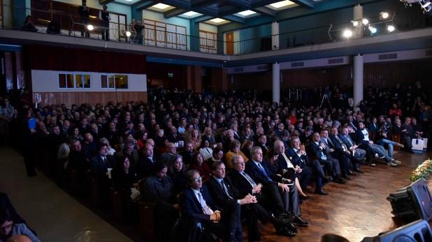 A sala llena. En la apertura de la conmemoración estuvieron presentes el gobernador de Córdoba, Juan Schiaretti; el intendente de la Ciudad, Ramón Mestre; el rector de la Universidad Nacional de Córdoba (UNC), Hugo Juri; y el rector de la Universidad de Buenos Aires, Alberto Barbieri; entre otras autoridades.