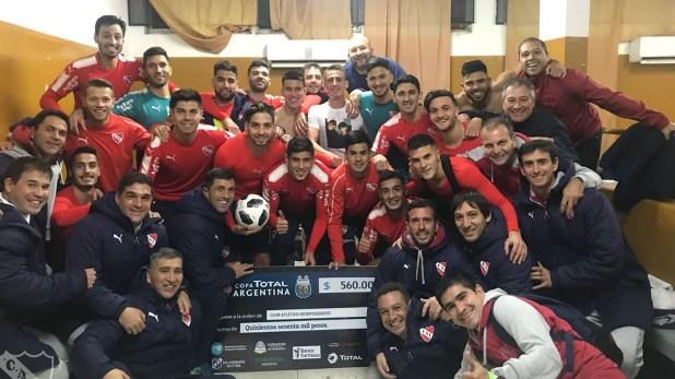 La formación sería la misma con la que el Rojo goleó a Central Ballester por Copa Argentina (@Independiente)