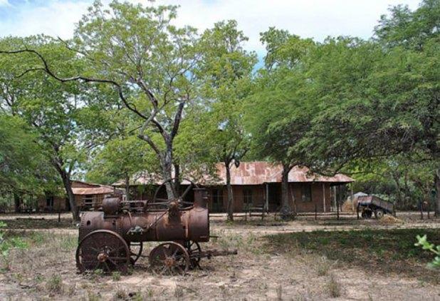 El viejo casco de la estancia La Fidelidad, hoy abandonado