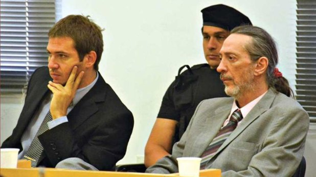 Luis Menocchio (der) en el juicio por el asesinato de Roseo