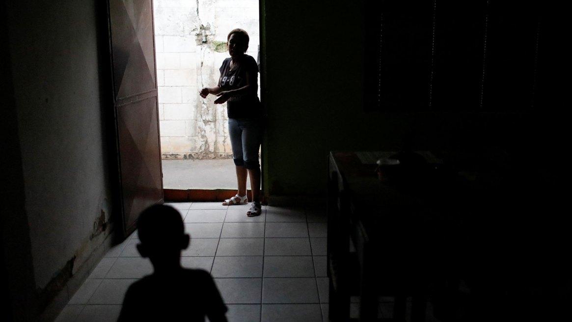 Los cortes de luz son frecuentes en Venezuela (Reuters)