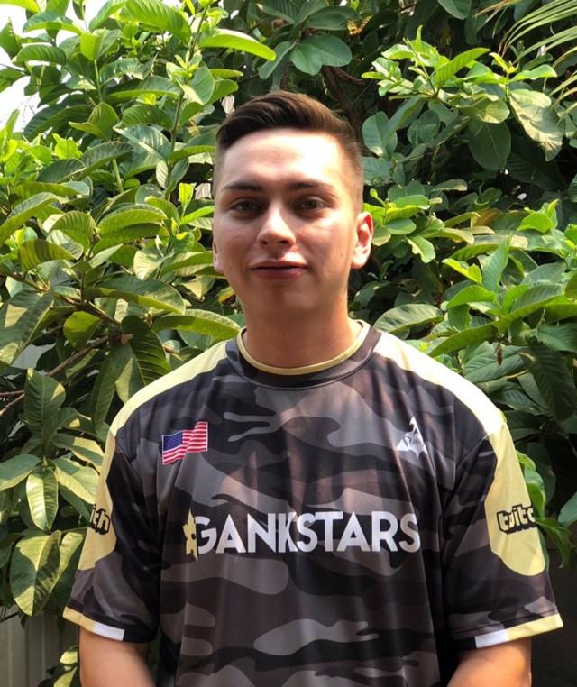 """César Sainz, alias """"Pixul"""", es coach de Fortnite y ofrece sus servicios a través de la página Gamer Sensei."""