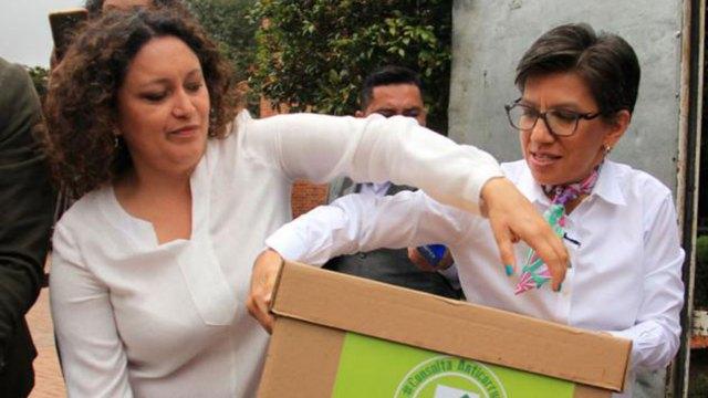 Promotoras de la iniciativa, del partido Verde, la representante a la Cámara Angélica Lozano, y la exsenadora Claudia López.