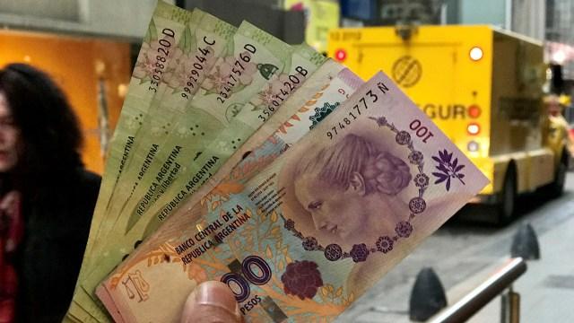 Esperan que la dinámica inflacionaria se modere pero que siga todavía alta (Reuters)
