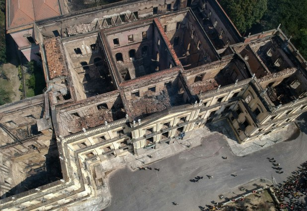 Foto aérea tomada este lunes muestra la destrucción(AFP)