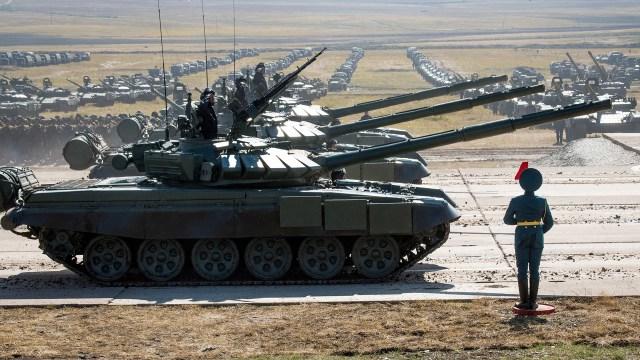 Tanques rusos durante los recientes ejercicios Vostok (AFP)