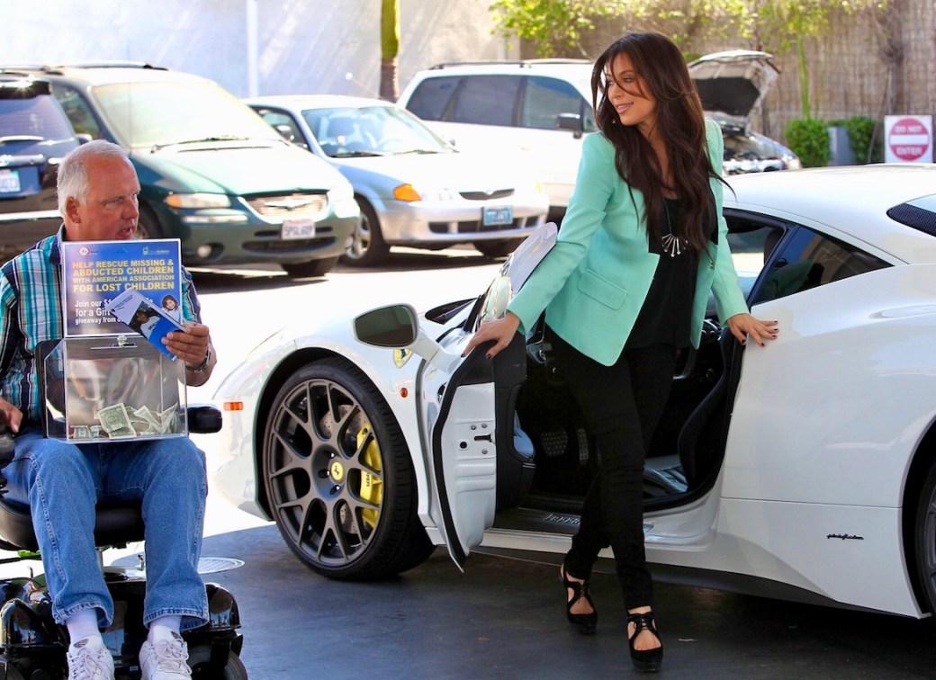 Kardashian solía ser vista regularmente conducir su Ferrari blanca por las calles de Los Ángeles