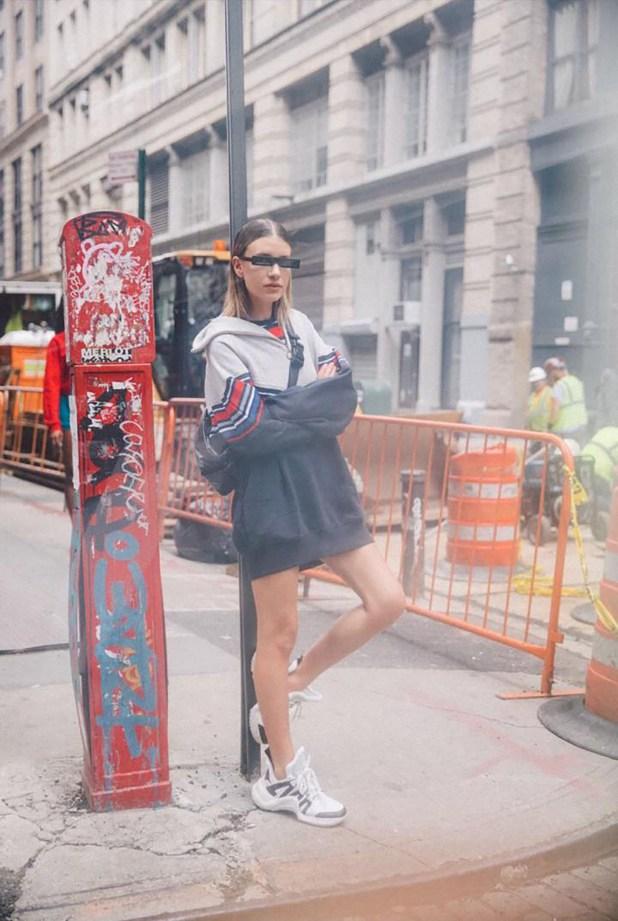"""Las zapatillas deportivas """"feas"""" son la tendencia que implica un regreso a la anti-moda de los años 90 y seguirá vigente durante todo el año"""