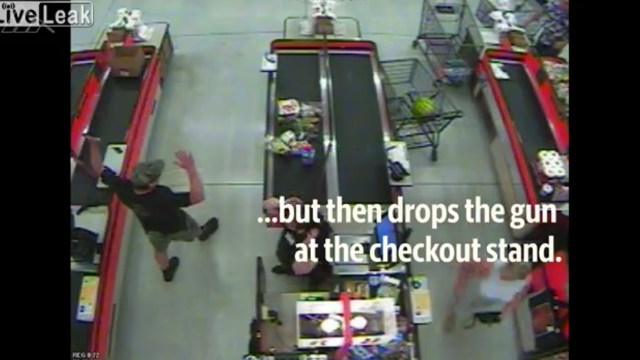 Luego dejó el arma y se sentó a esperar la Policía