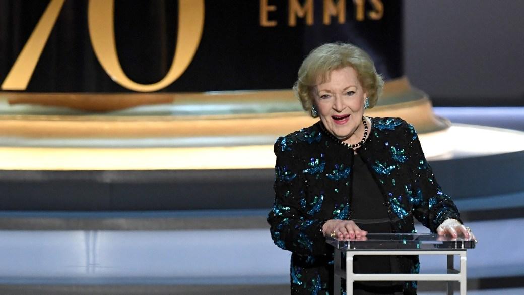 El homenaje a Betty White en los Emmy 2018