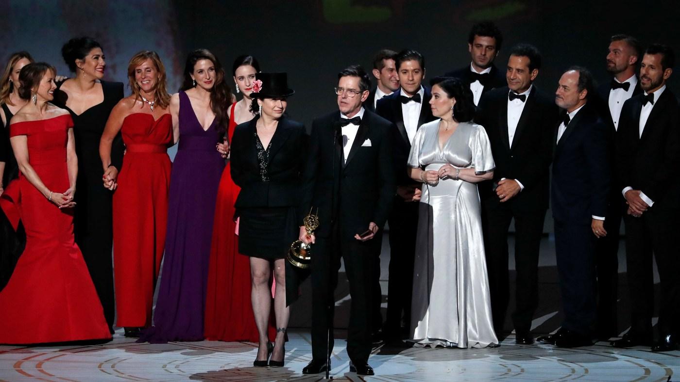 "El elenco de ""The Marvelous Mrs. Maisel"" en los premios Emmy"