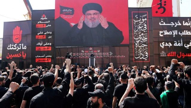 Una multitud en Beirut escucha un discurso de Hassan Nasrallah, el líder de Hezbollah, el 20 de septiembre de 2018 (REUTERS/Aziz Taher)