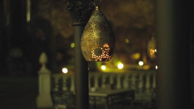 El jardín, en la parte trasera del lobby es uno de los diferenciales del bar que se puede disfrutar en la 4 estaciones del año.
