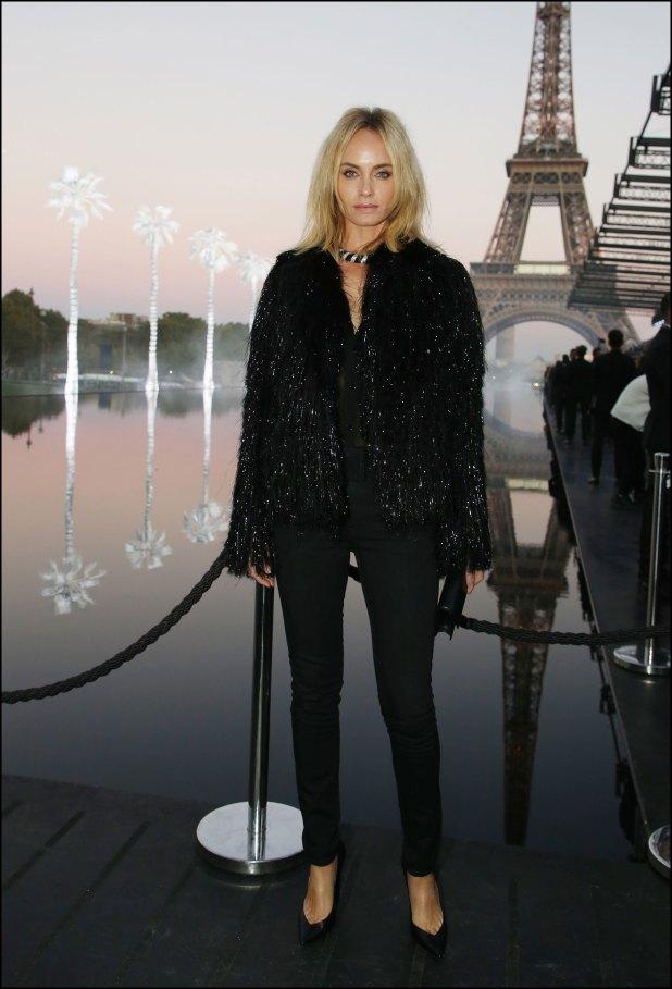 Amber Valleta, elegante y con brillos.