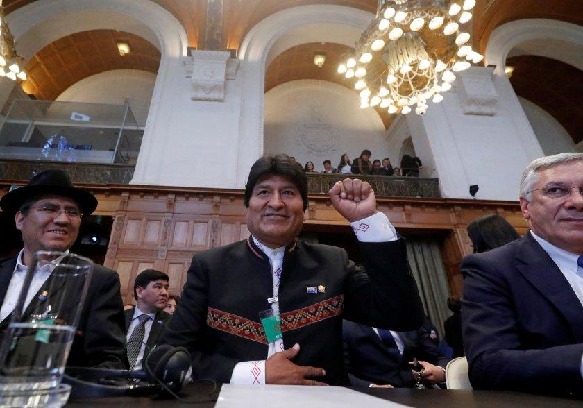 El semblante de Evo Morales, sonriente al inicio de la jornada, fue tomando un gesto más serio mientras avanzaba la exposición (Reuters)