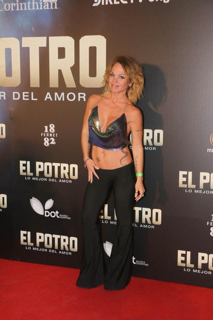 Uno de los looks más atrevidos de la noche: el de la actriz Lorena Paola