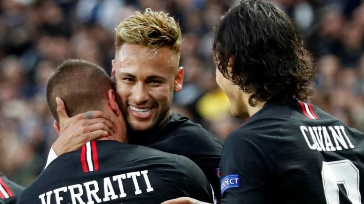 Neymar festeja junto a Cavani y Verrati el segundo gol del PSG (Reuters)