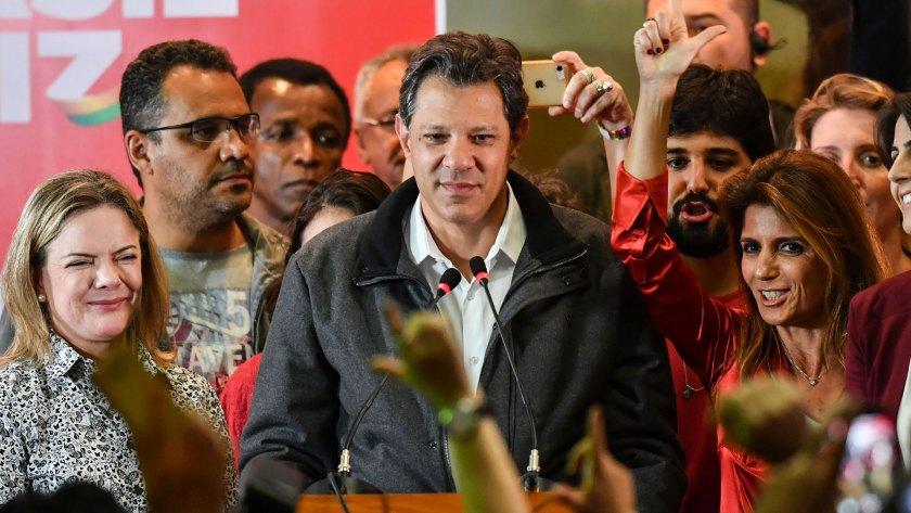 Haddad durante su discurso luego de recibir los resultados (AFP)