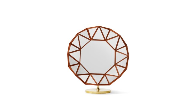 Marcel Wanders diseñó el Diamond Mirror -espejo diamante- para la colección Les Petits Nomades de la firma Louis Vuitton