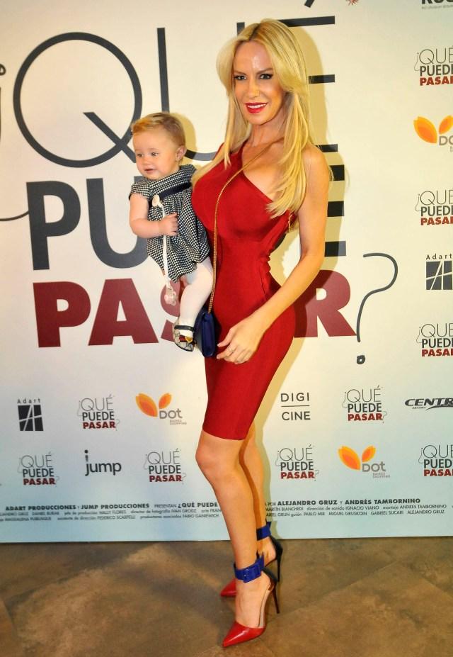 Luciana Salazar fue con su hija Matilda, de diez meses