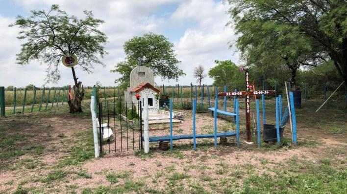 La tumba del niño en el cementerio de Quimilí.