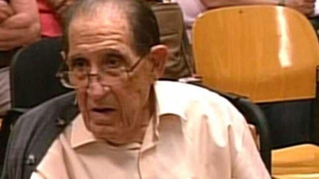 Eduardo Vela, de 85 años, durante una declaración en el juzgado provincial de Madrid (Captura video)