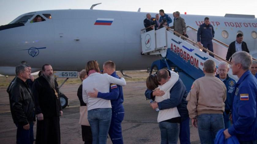 El momento en el que los astronautas son recibidos por sus familiares