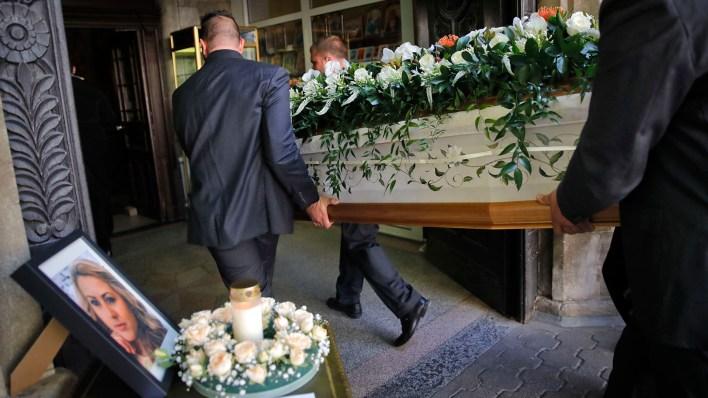 El cuerpo de Marinova fue encontrado el sábado pasado cerca del río Danubio en la ciudad búlgara del norte de Ruse y un ciudadano búlgaro de 21 años de edad fue aprehendido el martes por la noche fuera de la ciudad de Hamburgo con una orden de detención europea en relación con el asesinato (Foto AP/Vadim Ghirda)
