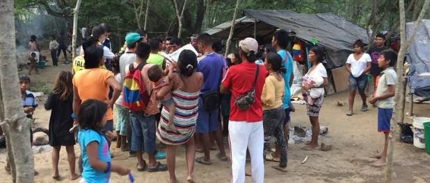 Cerca de 500 indígenas se han exiliado de Venezuela a causa de la crisis humanitaria del régimen de Maduro y han llegado a Colombia. (Foto redes sociales)