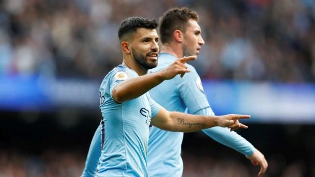 El Manchester City de Agüero es líder de la Premier League y jugará el lunes (Reuters/Jason Cairnduff)