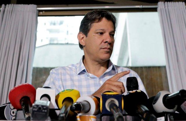 Fernando Haddad, durante una conferencia de prensa en Sao Paulo este jueves. (REUTERS/Paulo Whitaker)