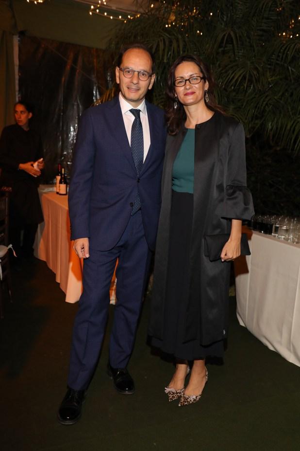 El embajador de Italia en la Argentina, Giuseppe Manzo, y su mujer