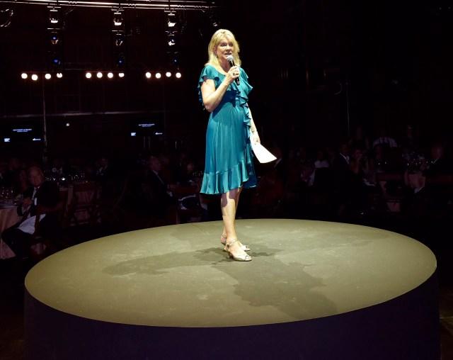 Eva Thesleff de Soldati, presidente de la Fundación Amigos del Teatro San Martín, durante su discurso en la tradicional gala a beneficio