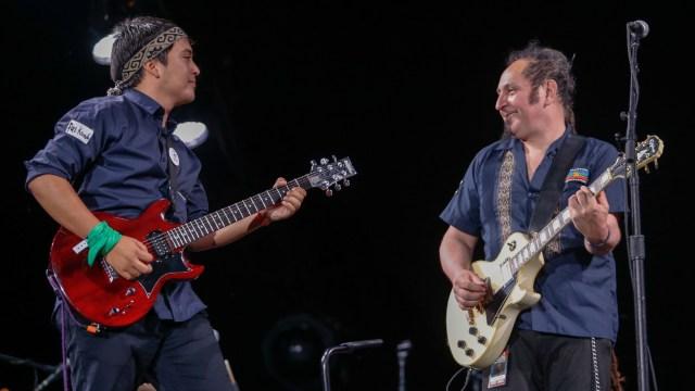 El grupo musical Mapuche mezcla su lengua originaria con el español