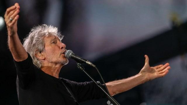 El músico se involucró en la causa por la identificación de los cuerpos de soldados argentinos sin nombre que yacían en las Islas del Atlántico Sur