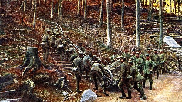 Soldados alemanes intentan mover un mortero a través de un bosque